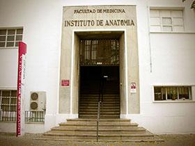 El Postgrado Propio en la Facultad de Medicina